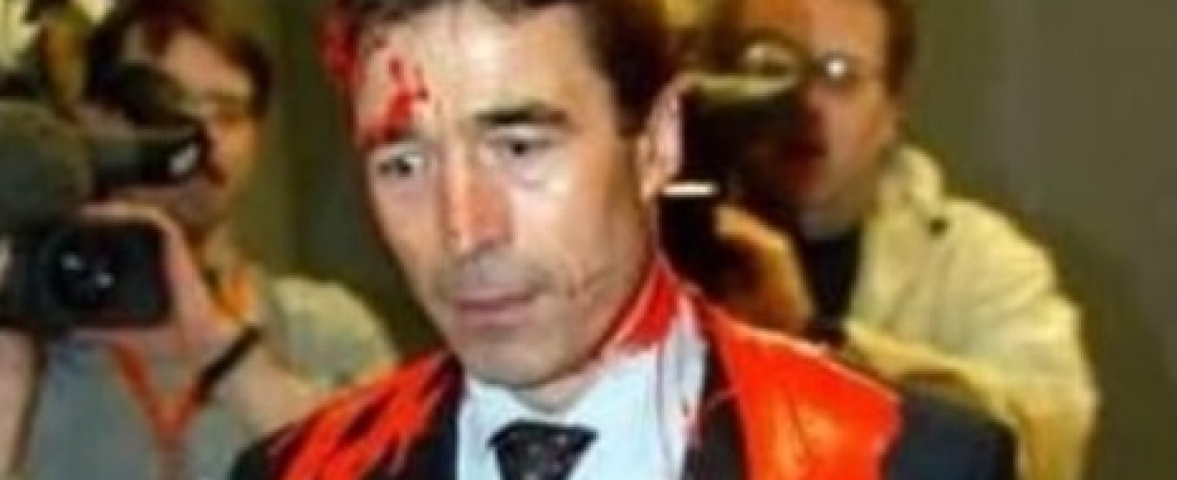 Video with Anders Fogh Rasmussen dated 2003 is presented as current event