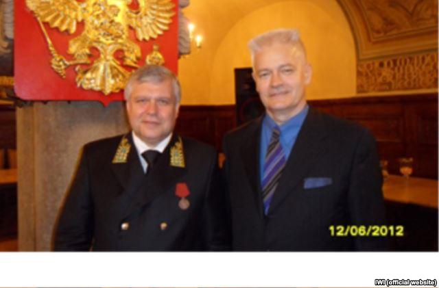 Лоренц Гааг с российским консулом Вячеславом Логутовым в Лейпциге