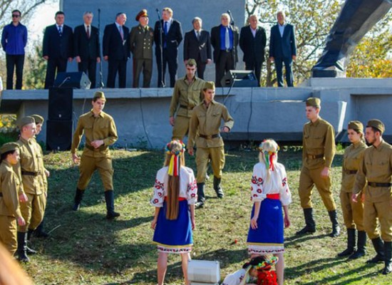 Fake: Zaporizhia Veterans were Shown Scenes of Soviet Soldiers Raping Ukrainian Girls