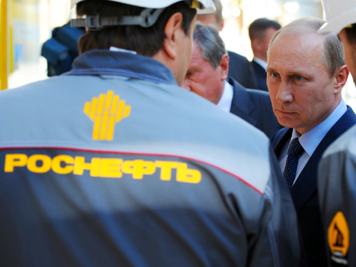 Putin visits a Rosneft refinery in the Black Sea town of Tuapse in southern Russia