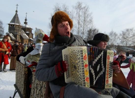 Почти 70% россиян уверены, что живут в богатой и свободной стране