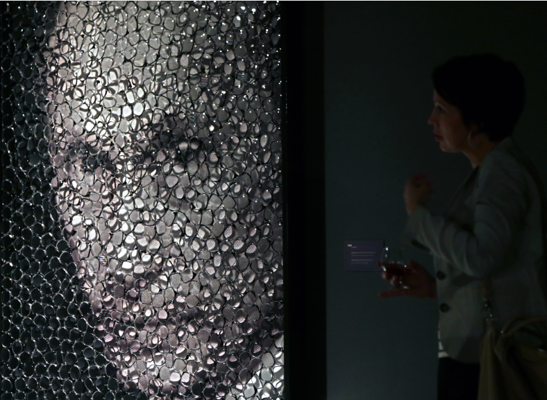 Выставка «Глаза в глаза» в галерее Щукина, 2013 год / EPA