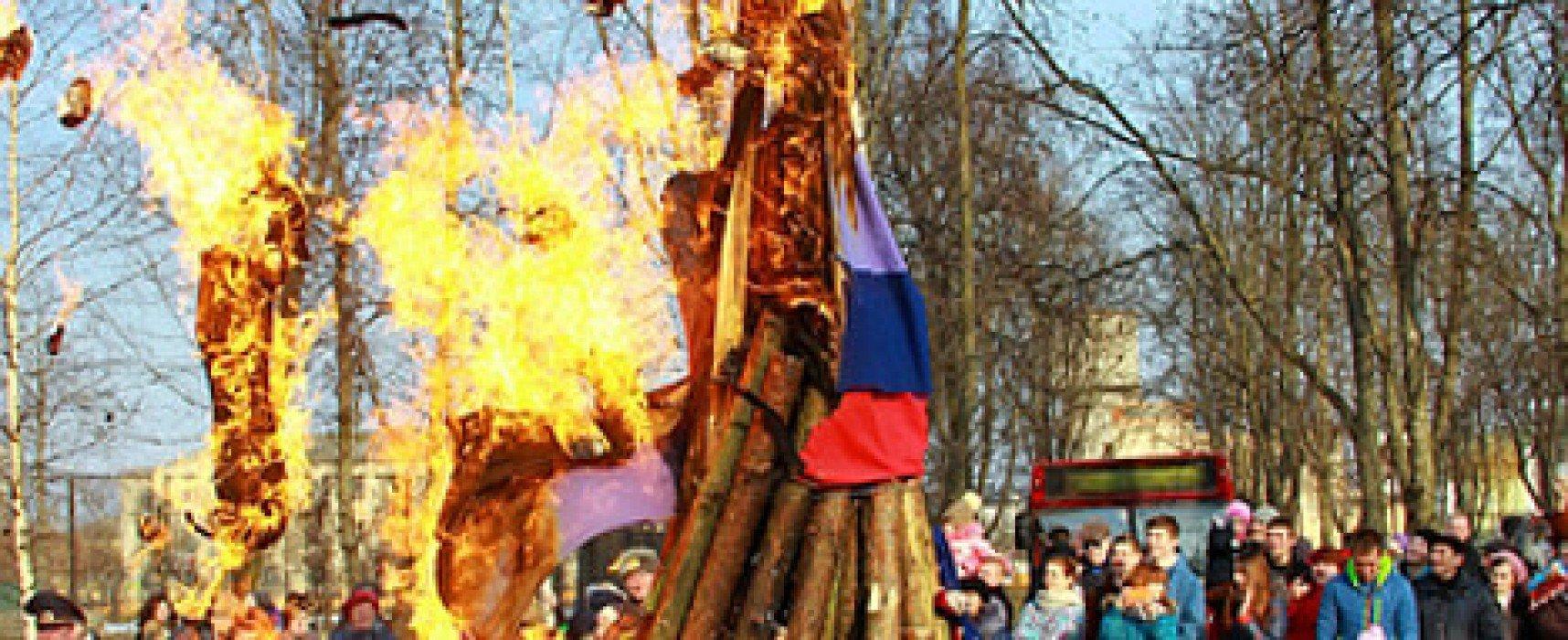 Фейк: В Беларуси на Масленицу сожгли флаг России