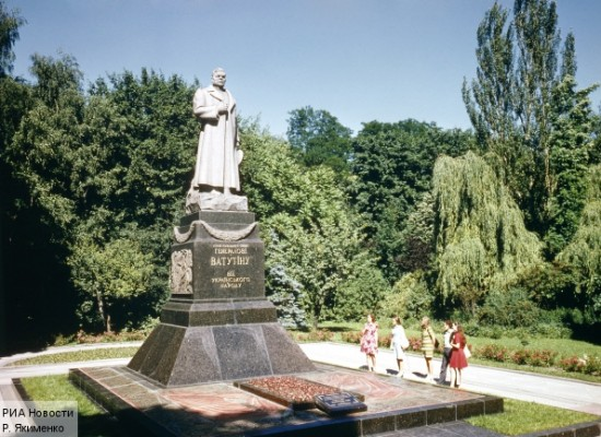 Fake: Kyiv Administration Plans to Demolish Monument to Soviet Military Commander