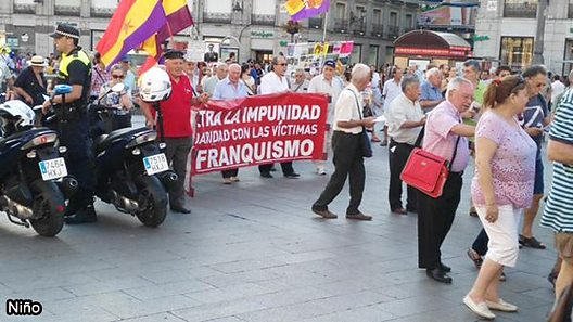 "A Spanish Twitter user shared a picture of the Madrid demonstration showing a banner bearing the words: ""Against Impunity. Solidarity with the victims of Francoism."""