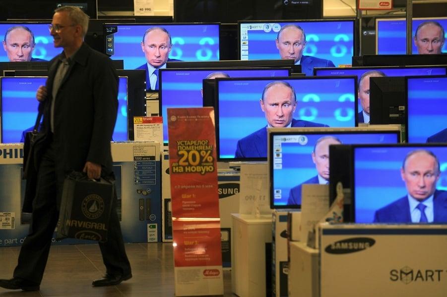 Поддержка Путина держится на пропаганде. Иллюстрация yablor.ru