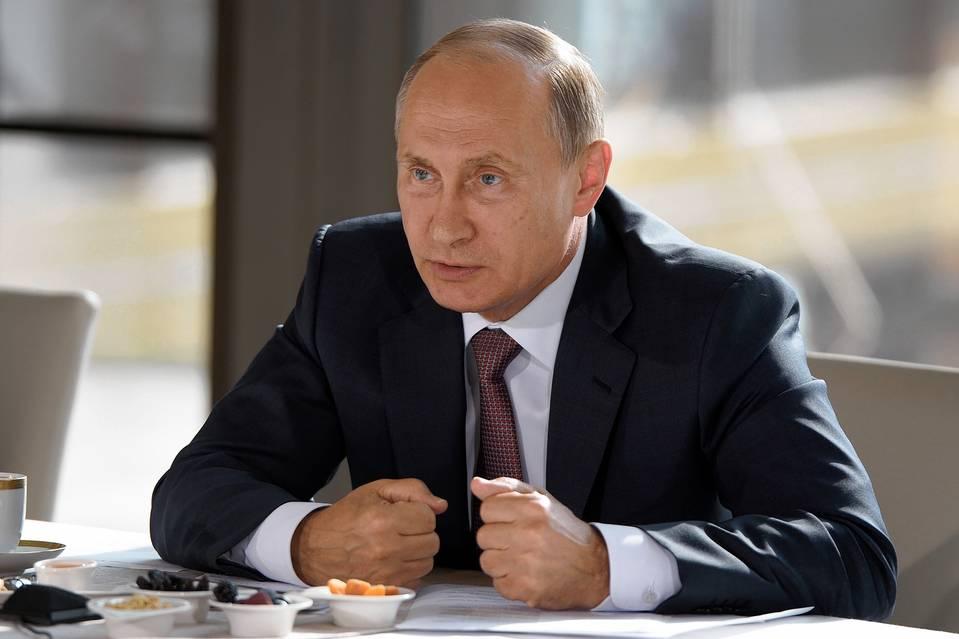 Russian President Vladimir Putin visiting Yalta in Russia-annexed Crimea, Aug. 17. Photo: Nikolsky Alexei/Zuma Press