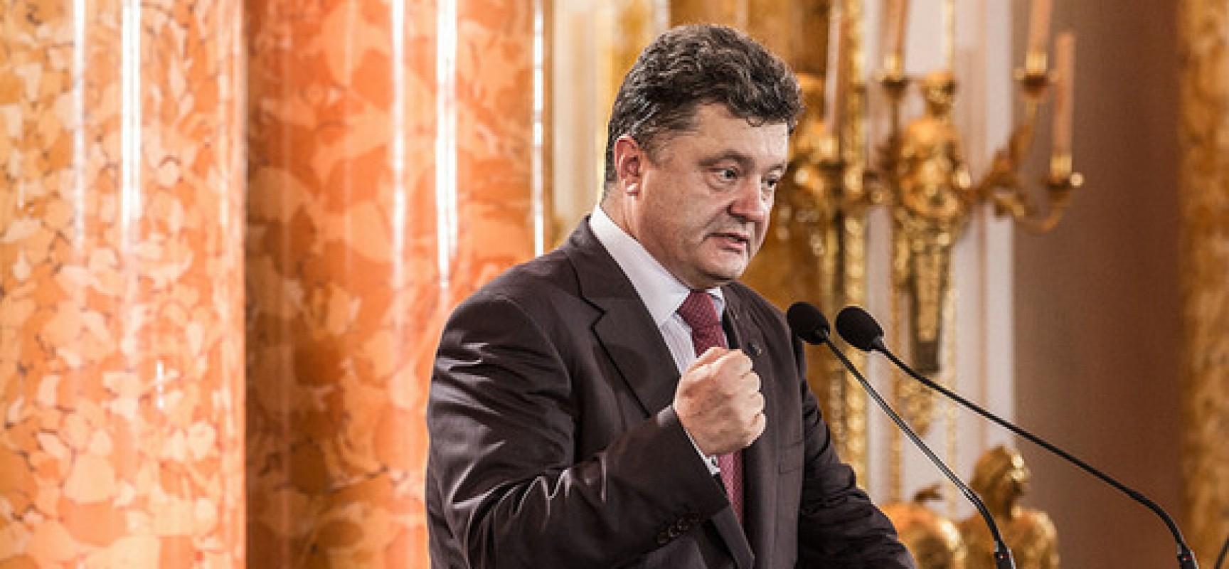 Poroshenko richiede le dimissioni di Yatseniuk e Shokin