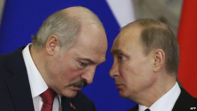 Президент Беларуси Александр Лукашенко и его российский коллега Владимир Путин