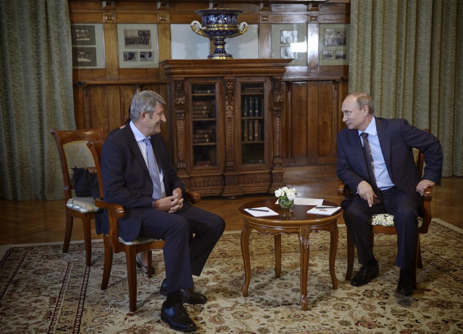 Philippe de Villiers and Vladimir Putin in August 2014