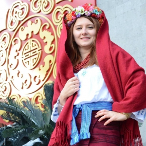 Дарья Устенко распространяет правдивые новости об Украине и распространяет украинскую культуру среди населения Китая. Фото предоставлено Дарьей Устенко/http://gazeta.ua/