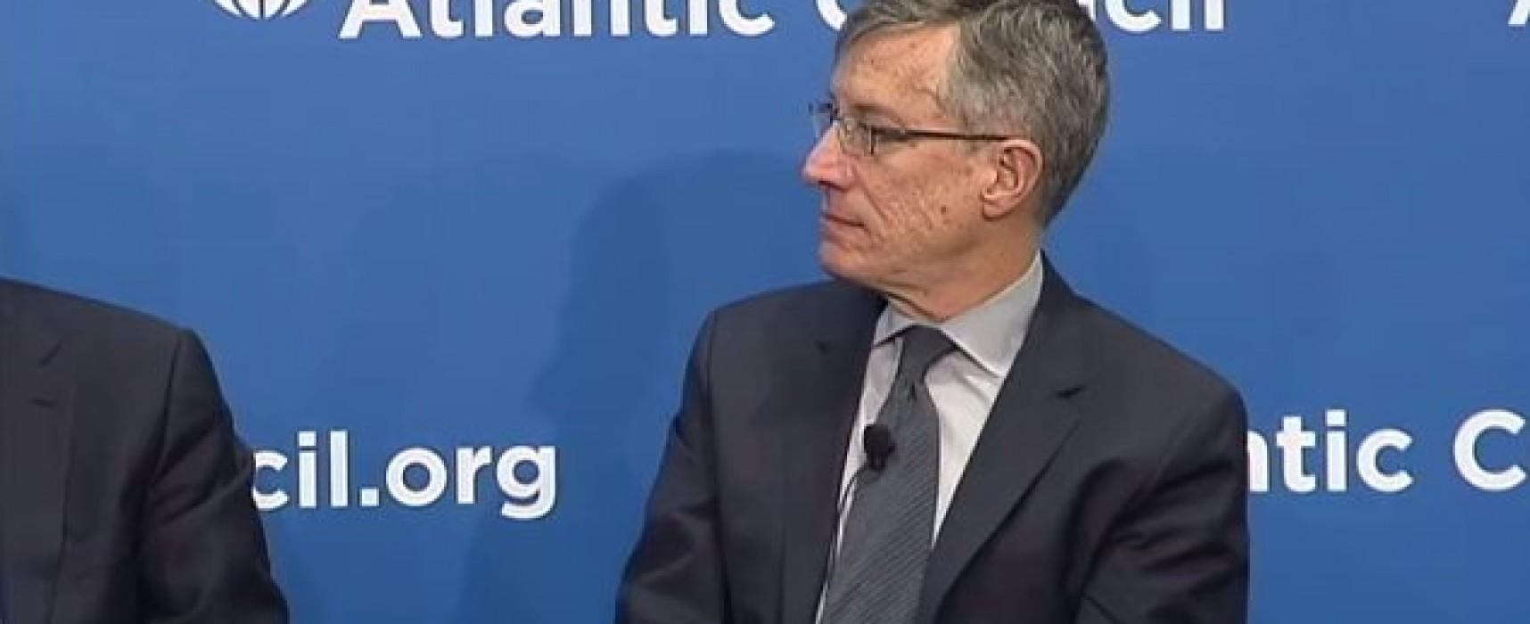 Los senadores de EE.UU hace un llamado para resistir la propaganda rusa y china