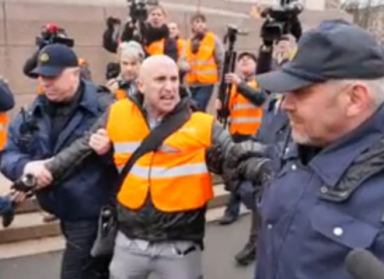 Pro-Kremlin journalist Graham Phillips detained by Latvian police in Riga