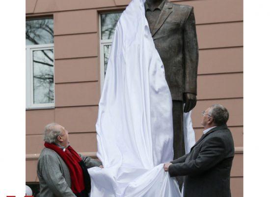Игорь Яковенко: Идолы прошлого и настоящего