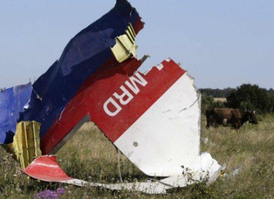 """Филмът на ВВС """"Теория на заговора: кой свали рейс МН17"""" вече е озвучен на руски"""