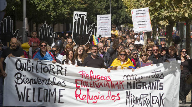 Manifestación en Pamplona en protesta por la crisis de refugiados en Europa. (MIKEL SAIZ)