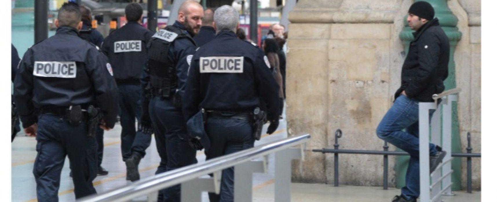 Фейк: Во Франции задержан украинец с машиной бейсбольных бит