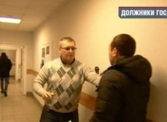"""Beware, Propaganda!"": Russia's Independent Media Take On State TV"