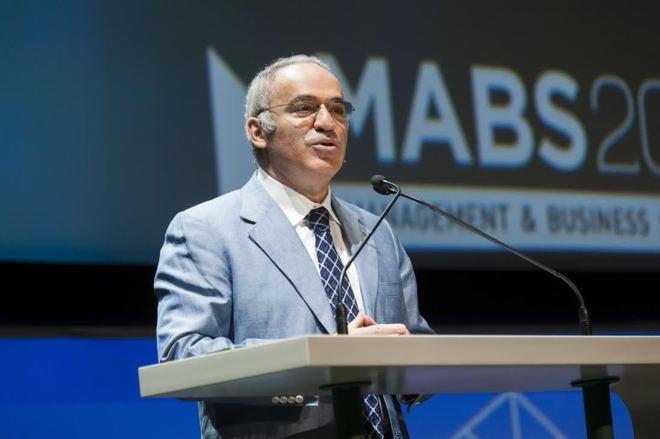 Gary Kasparov en el Management & Business Summit 2016 en Madrid. RAFAEL BRAVO / ATRESMEDIA