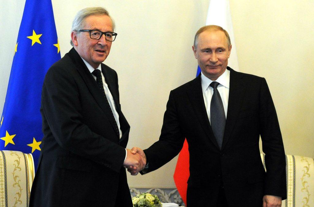 Russian President Vladimir Putin met with President of the European Commission Jean-Claude Juncker in St. Petersburg, Russia, on June 16, 2016. Credit: Kremlin.ru
