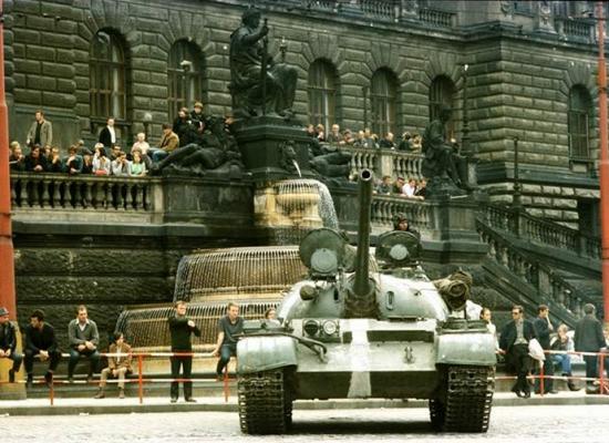 Kreml si cenzurou dějin vynucuje jedinou pravdu. Doplatí na to