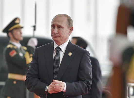 La propaganda russa all'offensiva anti-Renzi. E il web grillino rilancia