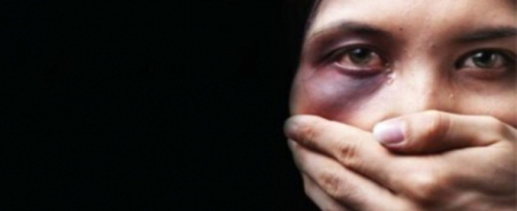 La Russia depenalizza le violenze domestiche