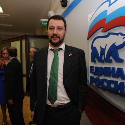 Salvini e l'inganno sulle sanzioni russe. Siamo sicuri che il possibile premier non sia controllato da poteri stranieri ?