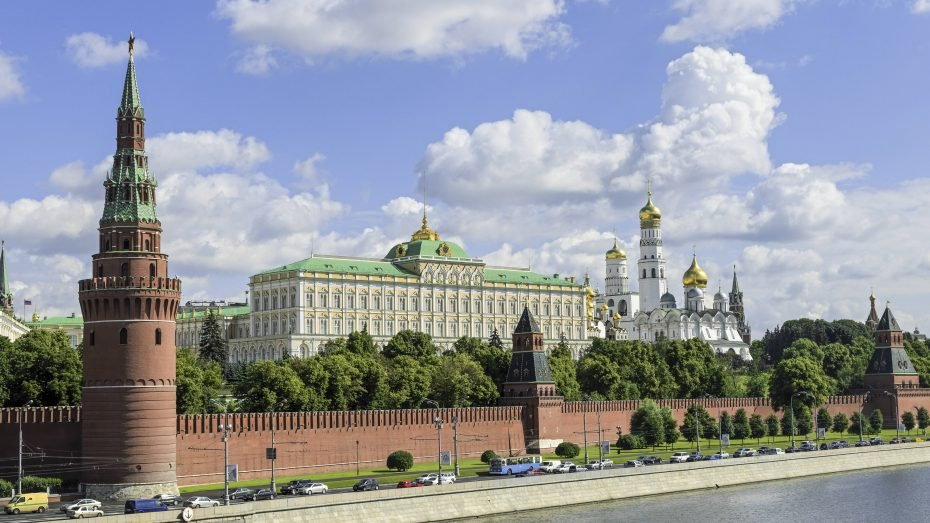 Der Kreml in Moskau gibt vielen russischen Medien die Richtung vor. (Foto: Imago/allOver-MEV)