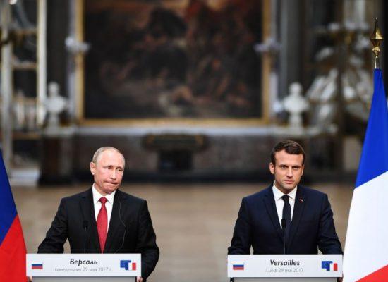 Macron, il primo atto politico contro Putin dell'èra della guerra cibernetica