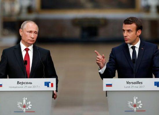 Frente a Vladimir Putin, Emmanuel Macron criticó a los medios rusos que «actúan como órganos de propaganda e influencia»