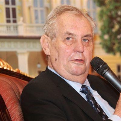 Zeman je naprosto prorusky smýšlející politik v izolaci, říká ukrajinista