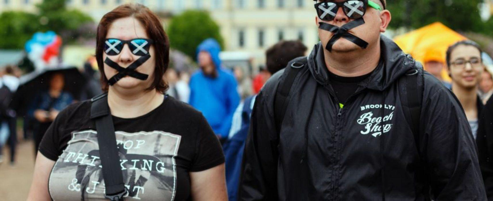 Украина не может отвечать за свободу слова в Крыму и на Донбассе – правозащитник
