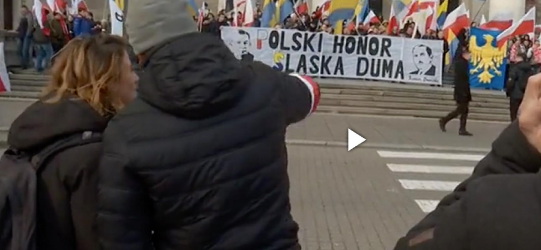 Fake : Piazza Pulita LA7 – I nazionalisti Ucraini partecipano alla manifestazione neofascista di Varsavia