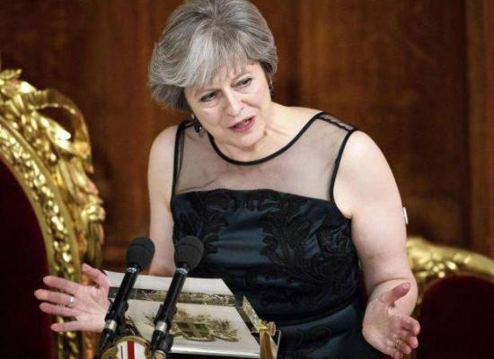 Theresa May accusa la Russia di intromettersi nelle elezioni degli altri Paesi