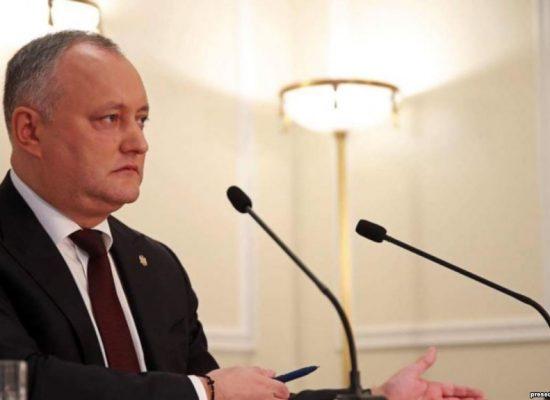 Додон отказался подписать закон о борьбе с российской пропагандой