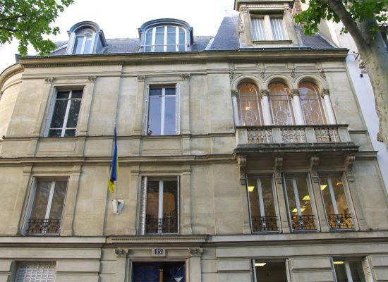 A Paris, la barricade de l'Ukraine