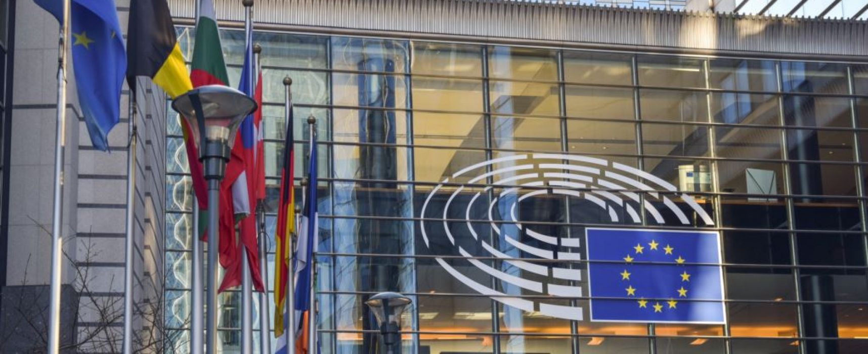 European Commission experts urge 'Code of principles' for social-media networks