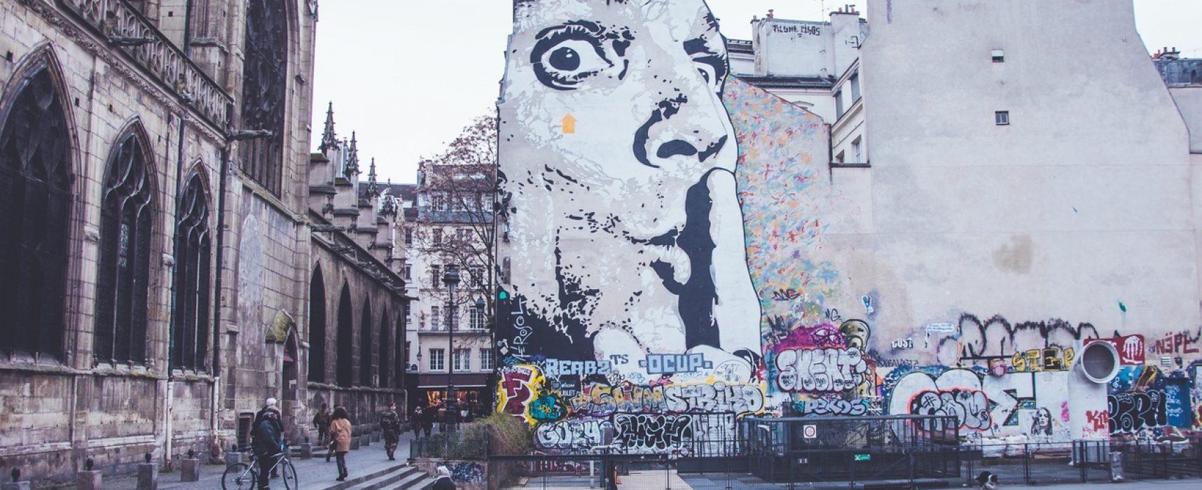 Во Франции предложили закрывать СМИ за фейки – возьмет ли Украина с нее пример?