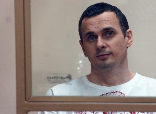 """""""Libérez tous"""": Oleg Sentsov, un des prisonniers du Kremlin, a entrepris une grève de la faim"""
