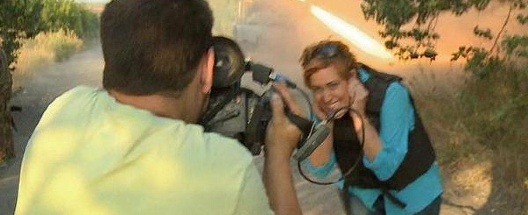 """Усмивка на фона на """"Градовете"""" на терористите: пропагандистката, която Украйна не пусна на територията си, е известна от грандиозен скандал"""