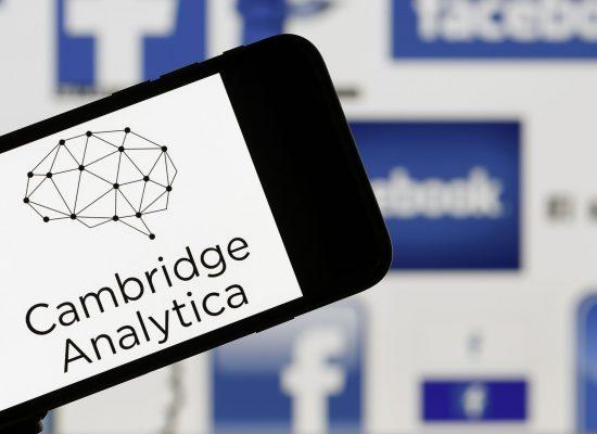 Великобритания: люди из России осуществляли доступ к данным Cambridge Analytica