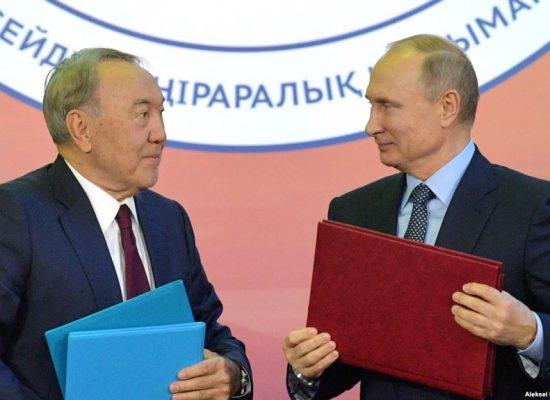 Казахстанські ЗМІ повторюють російську пропаганду – опозиційний журналіст