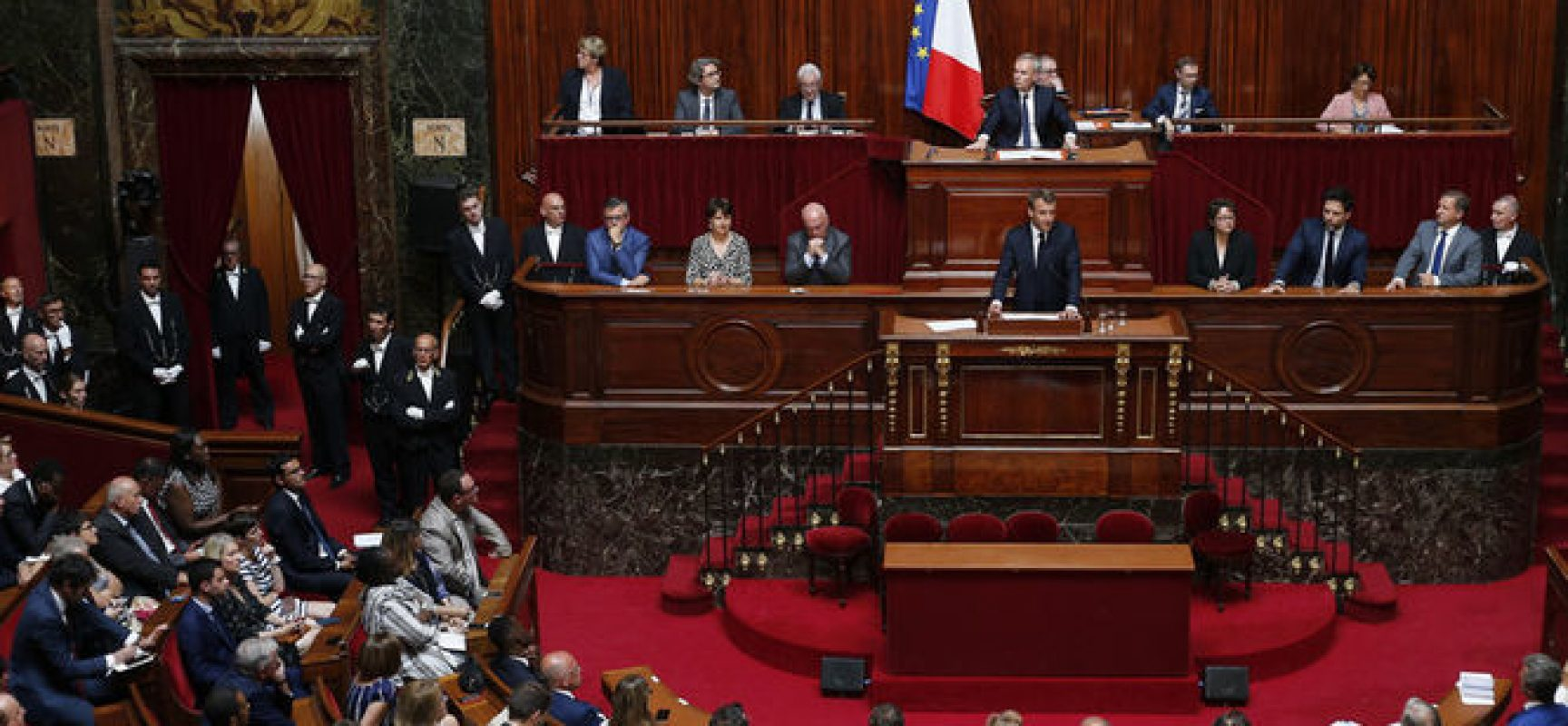 Francja uchwaliła przepisy przeciwko fake newsom