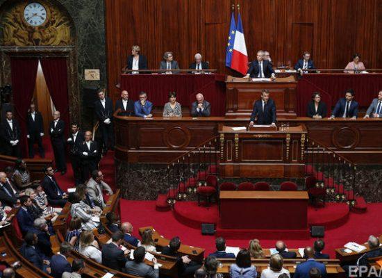 Francia aprobó leyes contra la manipulación de información