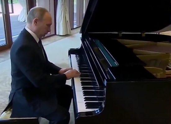 Fake: Putin gra Mazurka Dąbrowskiego
