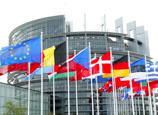"""РИА """"Новости"""" съобщи, че в Европейския парламент са внесли поправка за отмяната на санкциите. Само дето ЕП не решава такива въпроси"""