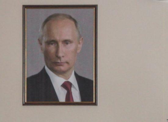Rosja: Urząd Miasta Nowosybirsk wydał prawie 5 milionów rubli na portrety Putina oraz filmy o Krymie