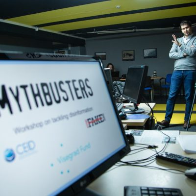 Mythbusters: Guide to Critical Thinking
