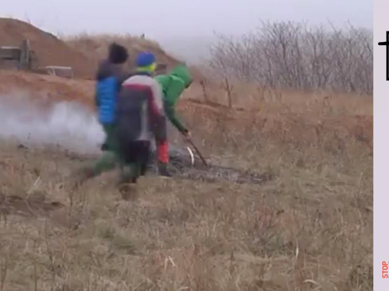 Fake: Des enfants ont été obligés de creuser des tranchées à Mariupol